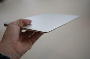 Apple Macbook Air 11-Inch - 12