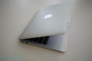 Apple Macbook Air 11-Inch - 4