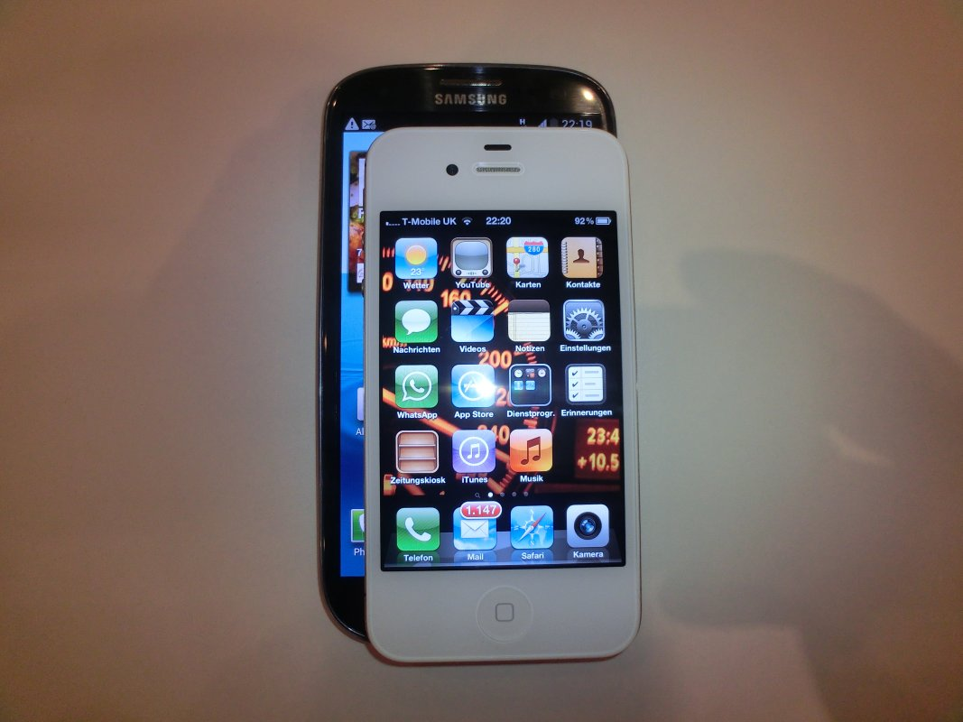 NewGadgets.de – Bilder: Samsung Galaxy S3 vs. Apple iPhone 4S