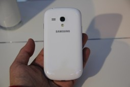 Samsung Galaxy S III mini - 7