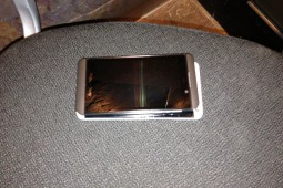 HTC One BlackBerry Z10 - 3