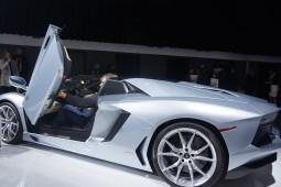 Lamborghini Aventador - 2