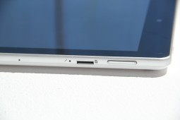 Acer Iconia A1 Hands On - 6
