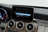 "Mercedes-Benz - Apple ""CarPlay"""