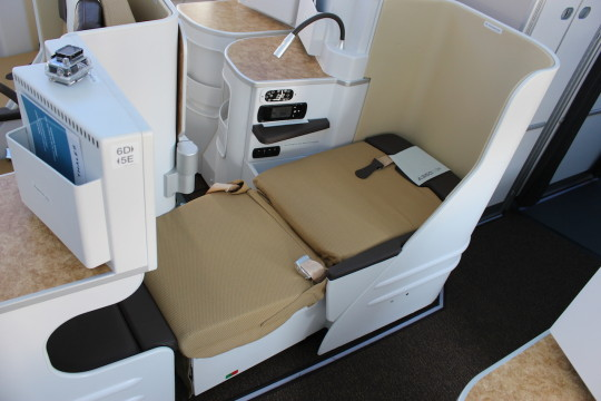 Airbus A350 - Business Class 3