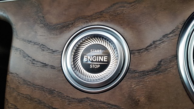 Mercedes-Benz E-Klasse W213 Start Stop