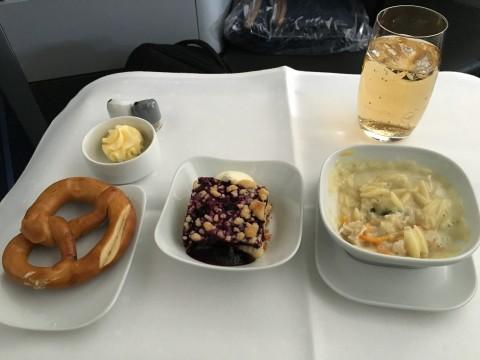 Lufthansa Business Class Abendessen