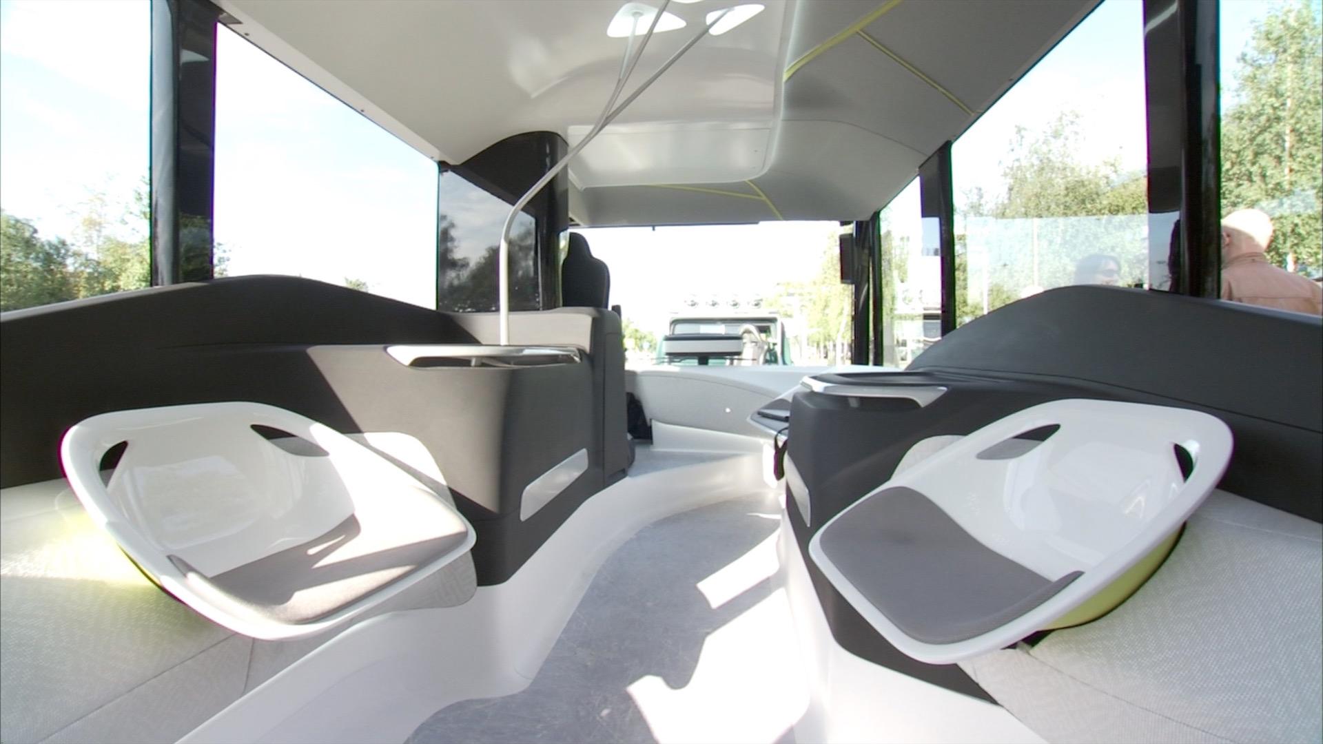 Mercedes benz future bus mit citypilot for Interieur der zukunft