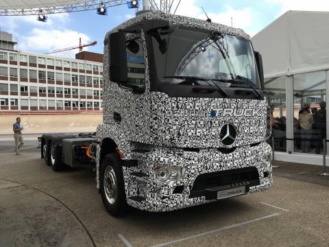 Mercedes-Benz Urban eTruck 6