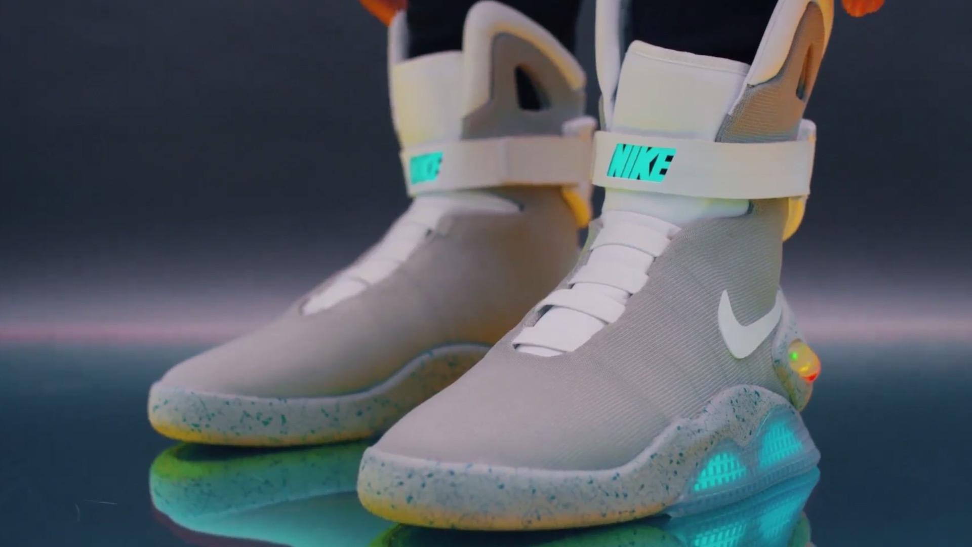 ad5adb2679a0 Selbstschnürende Nike Mag für 10    NewGadgets.de