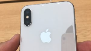 Apple iPhone X - 10