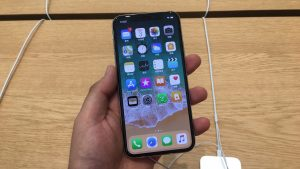 Apple iPhone X - 4