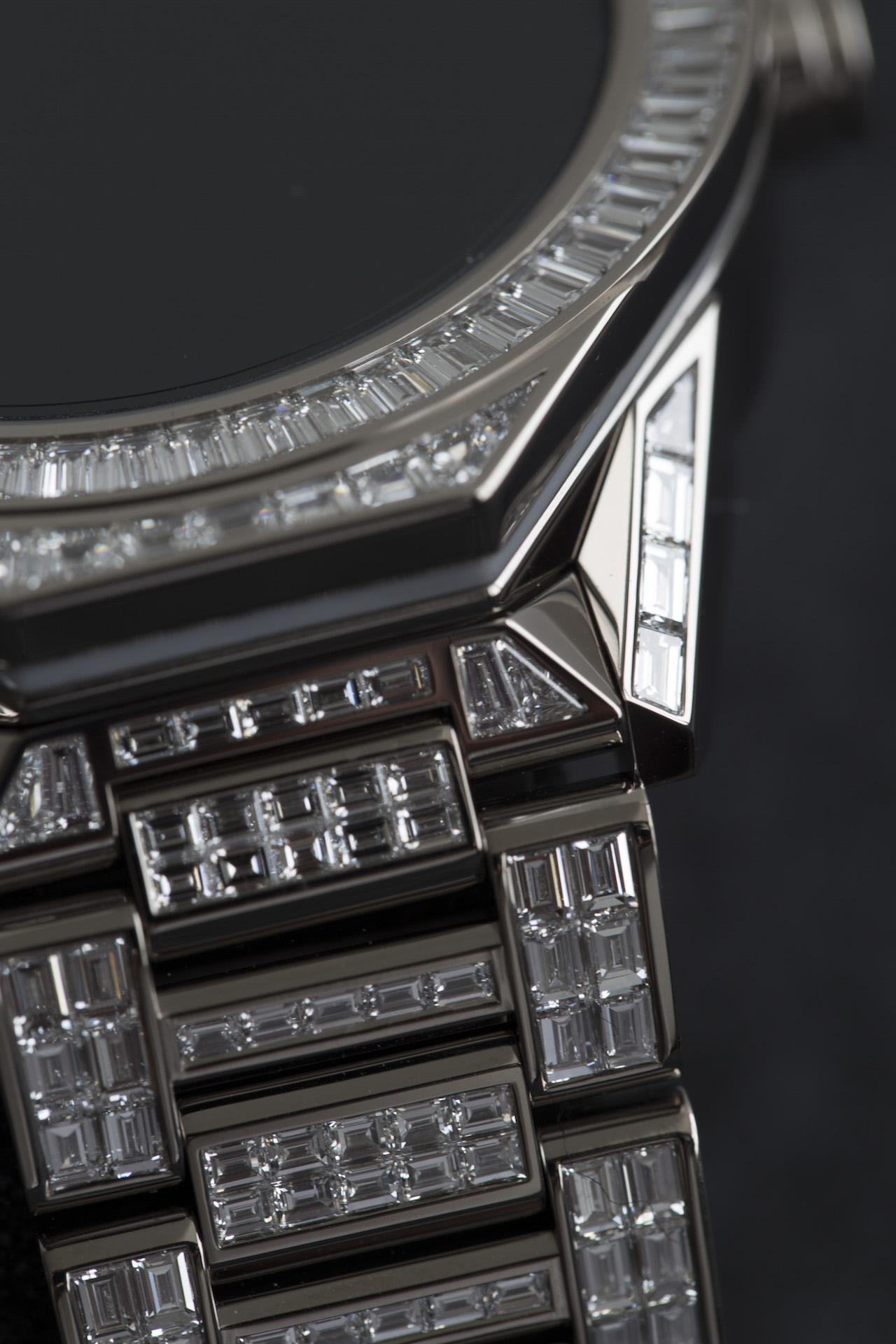 tag heuer connected full diamonds die teuerste smartwatch. Black Bedroom Furniture Sets. Home Design Ideas