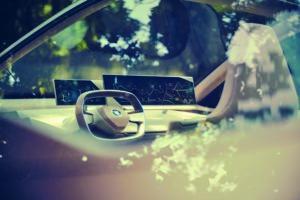 BMW iNext - 4