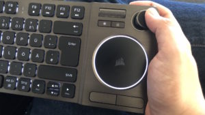 Corsair K83 Wireless - Joystick