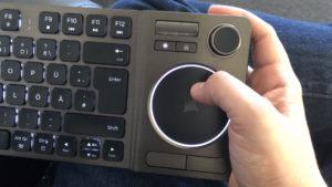 Corsair K83 Wireless - Touchpad